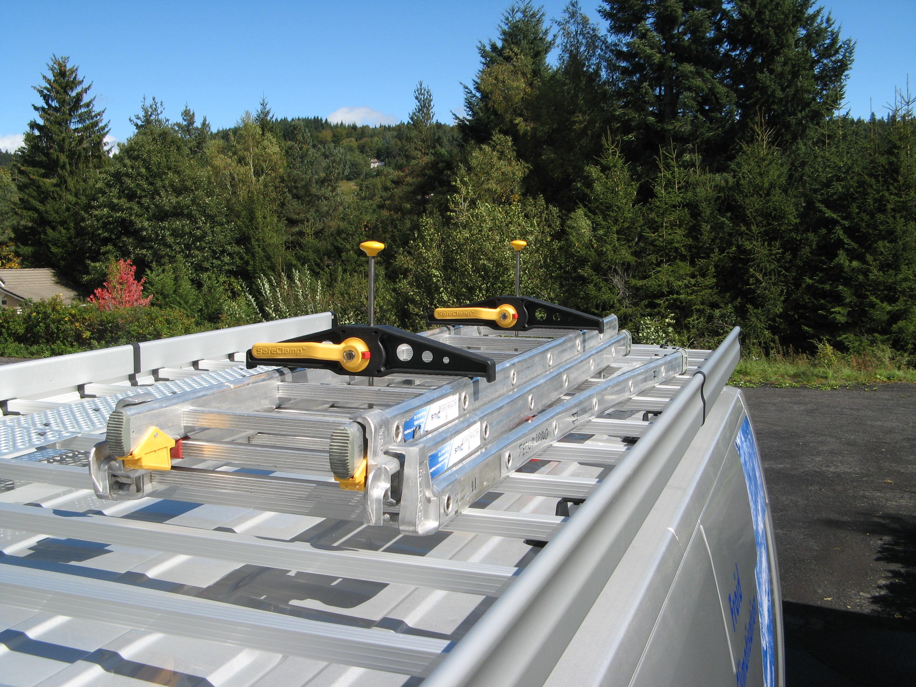 Crochet de maintien SafeClamp / Fixovan